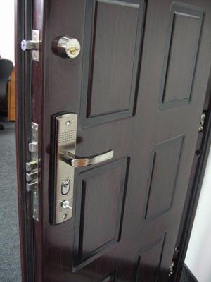 Блиндирани врати за ефикасна защита