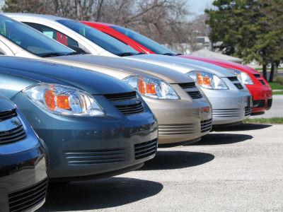 Къде може да намерите евтини автомобили под наем