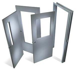 Ремонтът на дома включва покупка на нови врати