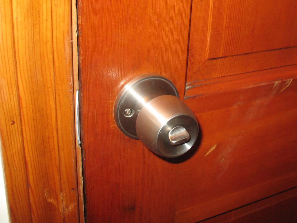 Как помагат новите входни врати на домовете ни