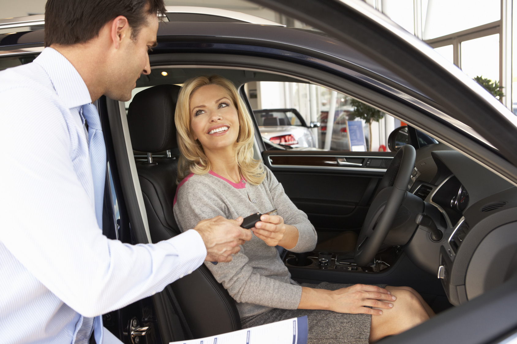По какъв начин да вземем кола под наем?
