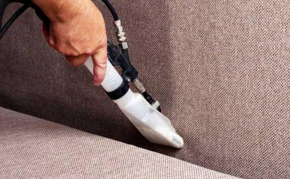 Как да почистим петната от меката мебел?